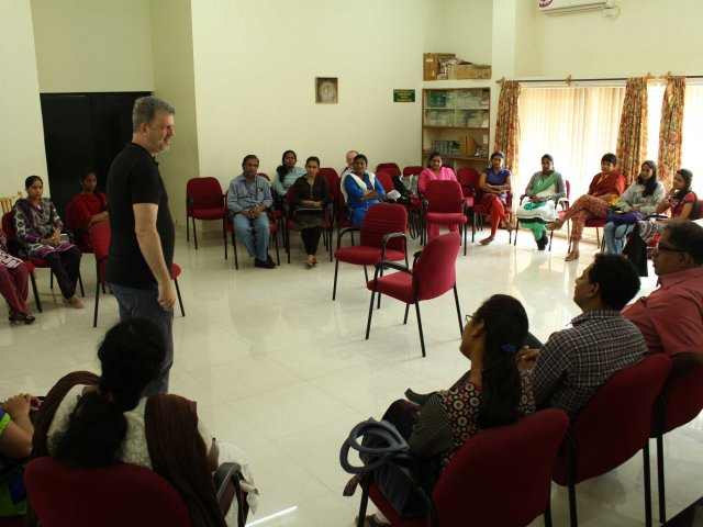 Dr. Jochen Becker-Ebel, Prof. f. Palliative Care teaches staff of Bangalore`s Karunashraya Hospice and six Hospitals (NIMHANS, KIDWAI St. Johns, Baptist, KMIO;  HCG) on Palliative Care Communication through the methods of Psychodrama, invited by Dr.